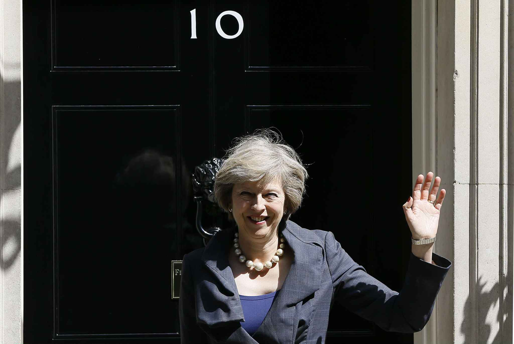 2048x1536-fit_future-premiere-ministre-britannique-theresa-may-12-juillet-2016-devant-10-downing-street-londres-angleterre