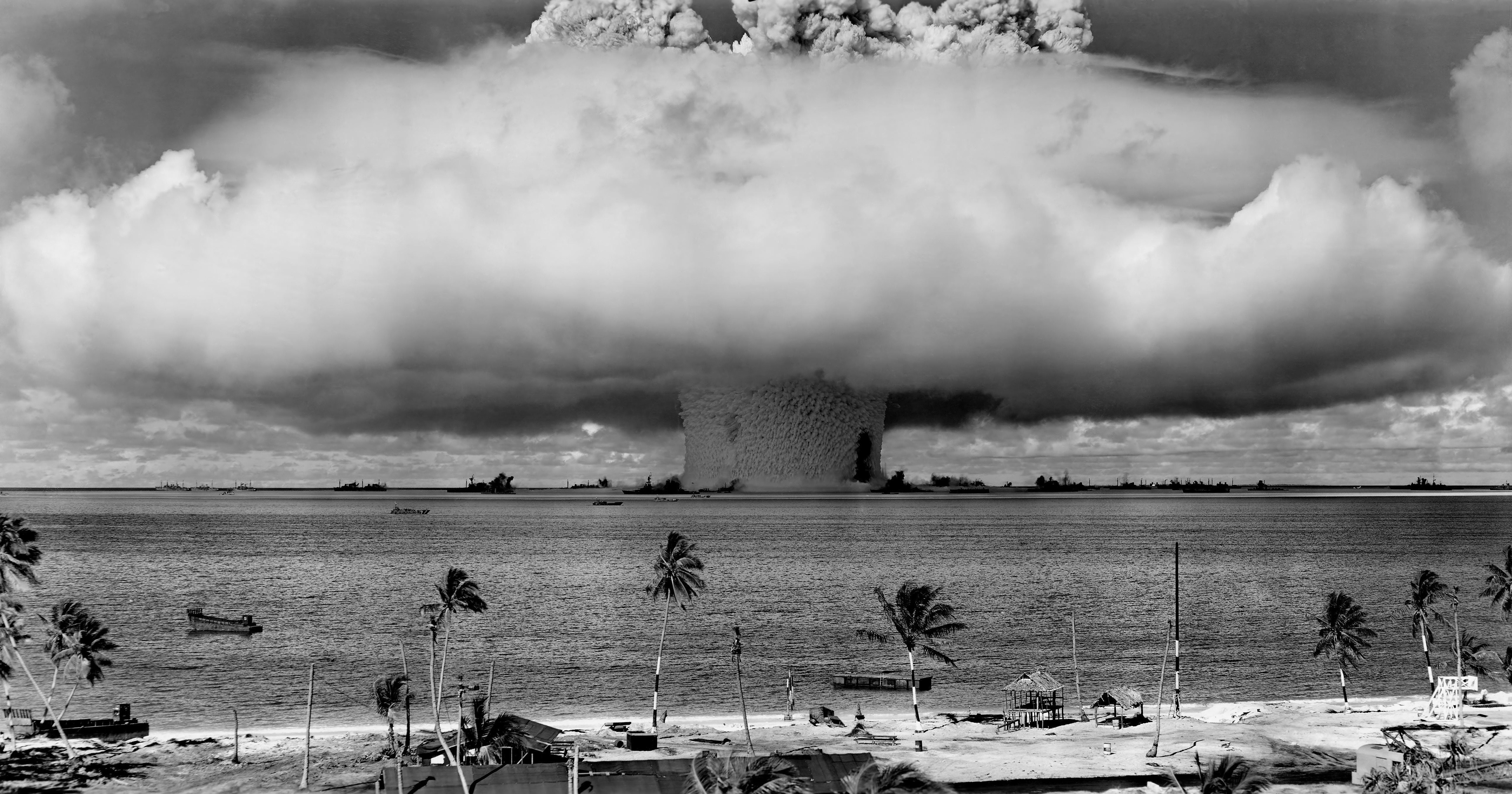 https://iphilo.fr/wp-content/uploads/2019/05/arbres-bombe-atomique-bombe-nucleaire-73909.jpg